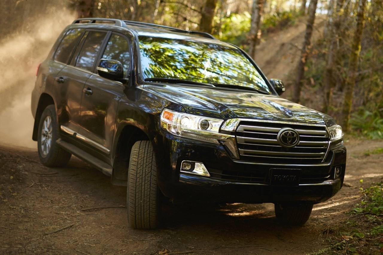 2017 toyota land cruiser king of the off road spot dem. Black Bedroom Furniture Sets. Home Design Ideas