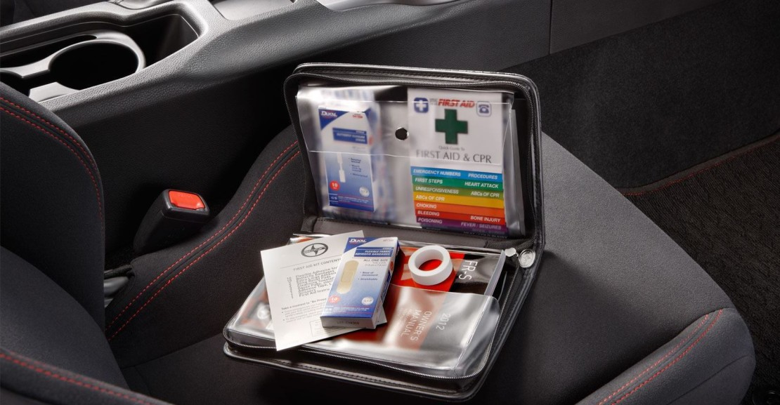 important-first-aid-items-you-should-have-in-your-car
